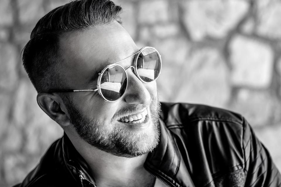 マレーシアのシンガーソングライター「Faizal Tahir(フェイサル・タヒル)」とは | AMP